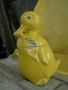 Yellow Duck Cookie Jar by AuctionBarn on Etsy, $30.00/ $10 US ship. Vintage item from the 1950s, Yellow Duck Cookie Jar, Hull/McCoy Pottery. In really good condition, except for paint wear. Some crackling, but no chips.