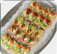 Skewer Appetizers Wedding Appetizers Appetisers Appetizer Recipes Dessert Recipes First Finger Foods Breakfast Crepes Fingerfood Food Design Party Finger Foods, Snacks Für Party, Finger Food Appetizers, Appetizers For Party, Appetizer Recipes, Finger Food Catering, Canapes Recipes, Party Food Platters, Party Sandwiches