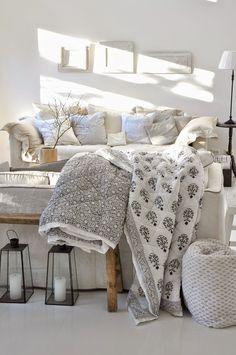 ☆los neutros en sus multiples variedades,y los textiles bien combinados hacen un salon acogedor