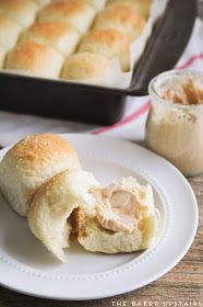 The Baker Upstairs: Soft and Fluffy One Hour Rolls Pound Cake Recipes, My Recipes, Dessert Recipes, Cooking Recipes, Favorite Recipes, Desserts, Homemade Dinner Rolls, Dinner Rolls Recipe, Yeast Rolls