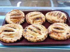 Apple pies  #cake #cakes #sponge #spongecake #thecakeshop #cakeshop #thecakeshoppembroke #pembroke #pembrokeshire #Pembs #buttercream #buttericing #icing #pastry #pastrychef #welsh #wales #British #apple #applepie #pie Butter Icing, Apple Pies, Cake Shop, Sponge Cake, Welsh, Bagel, British, Bread, Food