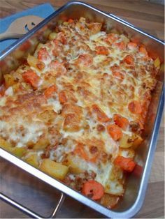 Low carb kohlrabi carrot minced meat casserole - delicious recipe - This low ca. - Low carb kohlrabi carrot minced meat casserole – delicious recipe – This low carb casserole is - Carb Free Recipes, Healthy Low Carb Recipes, Keto Foods, Meat Recipes, Meatloaf Recipes, Low Carb Casseroles, Carne Picada, Clean Eating, Food And Drink