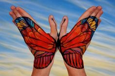 Beautiful hand art by Guido Daniele has inspired a fun wildlife activity for kids. Hand Pictures, Creative Pictures, Creative Art, Animal Pictures, Butterfly Painting, Hand Painting Art, Red Butterfly, Butterfly Kisses, Hand Art