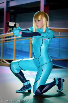 Zero Suit Samus cosplay