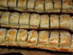 Minipateuri cu ciuperci | CAIETUL CU RETETE Romanian Food, Cooking Recipes, Healthy Recipes, Pastry And Bakery, Antipasto, Pizza, International Recipes, Soul Food, Hot Dog Buns