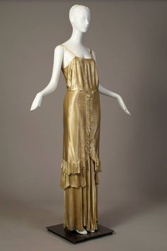 ~Norman Hartnell, gold silk evening dress, late 1930s, via Kent State University Museum~