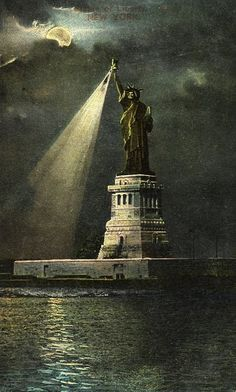 "Vintage postcard of ""Statue of Liberty, New York"""