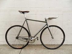 affinity, lo pro - in love.    (via Fixed Gear Gallery :: fixed gear submission for a patch)