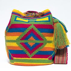 Cabo Wayuu Bags - Woven by 2 Tread Count Tapestry Bag, Tapestry Crochet, Crochet Handbags, Crochet Purses, Crochet Fashion, Pattern Fashion, African Fashion, Crochet Projects, Bucket Bag