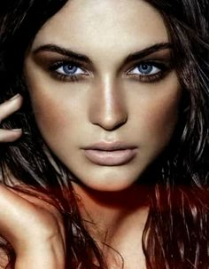 beautiful eyes and simple makeup