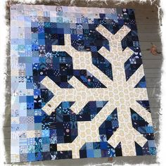 Everyone can enjoy craft time. Star Quilts, Scrappy Quilts, Mini Quilts, Christmas Quilt Patterns, Quilt Block Patterns, Christmas Sewing, Christmas Gifts, Snowflake Quilt, Snowflakes