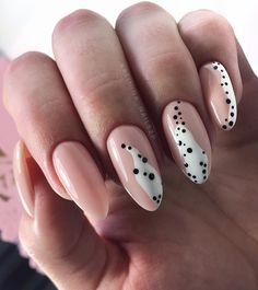 Adding some glitter nail art designs to your repertoire can glam up your style within a few hours. Check our fav Glitter Nail Art Designs and get inspired! Leopard Nail Designs, Leopard Nails, Nail Art Abstrait, Design Ongles Courts, Ten Nails, Nagellack Trends, Short Nail Designs, New Nail Designs, Nail Swag