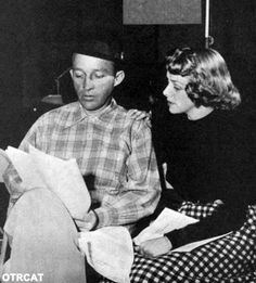 Bing Crosby And Rosemary Clooney--i'd just like to be in the same room while they talked.i don't even care if they sang. Golden Age Of Hollywood, Vintage Hollywood, Classic Hollywood, White Christmas Movie, Christmas Movies, Hollywood Actresses, Actors & Actresses, Rosemary Clooney, Audrey Hepburn Photos