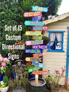 SET OF 15 Custom Hand Painted Coastal Directional Signs! Backyard Signs, Pool Signs, Garden Signs, Backyard Ideas, Backyard Decorations, Diy Adornos, Hawaiian Party Decorations, Aqua Background, Directional Signs