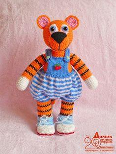 Домик вязаных игрушек: Тигр вязаный Crochet Lion, Big Cats, Tigers, Tweety, Lions, Free Pattern, Projects, Sewing Patterns Free, Lion