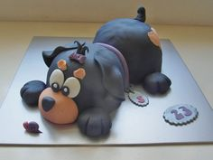 Dog Cake too cute to chomp Puppy Birthday Cakes, Boys 1st Birthday Cake, First Birthday Cakes, Dog Cakes, Girl Cakes, Cake Decorating For Kids, Puppy Cake, Cake Shapes, Animal Cakes