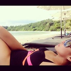 The beach... ❤ R&R pag may time.☀