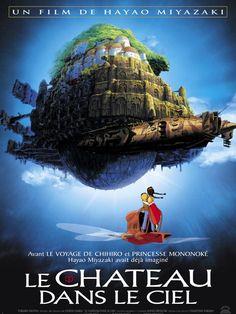 Le Château dans le ciel est un film de Hayao Miyazaki avec Mayumi Tanaka, Keiko Yokosawa. Synopsis : Retenue prisonnière par des pirates dans un dirigeable, la jeune Sheeta saute dans le vide en tentant de leur échapper. Elle est sauvée in extremis pa