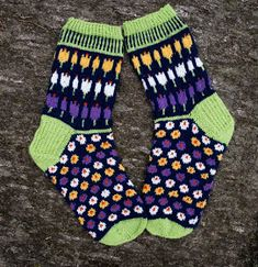 Ravelry: Krokussokker/Crocus Socks pattern by Cecilie Kaurin and Linn Bryhn Jacobsen Knitting Socks, Knit Socks, Mittens, Ravelry, Crochet, Pattern, Slippers, Projects, Socks