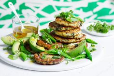 Ricotta and mint fritters: Quick and easy to make, these fritters will easily become a dinner table favourite. Midweek Meals, Weeknight Meals, Vegetarian Recipes, Cooking Recipes, Healthy Recipes, Entree Recipes, What's Cooking, Healthy Dinners, Cheese Recipes