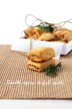 Biscotti ripieni di fichi secchi, arance e cannella