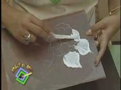 Atelier de Arte - Tecnica de relieve - Baul con flores.wmv - YouTube
