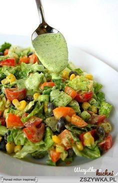 Zobacz zdjęcie Pyszna salatka idealna do grillowanego mięsa...   pomidory kukurydza ciemne oliwki dymka kilka listków sałaty masłowej  dressing: b. duży pęczek pietruszki sok z cytryny mały ząbek czosnku 3-4 łyżki oliwy extra vergine sól, pieprz w pełnej rozdzielczości