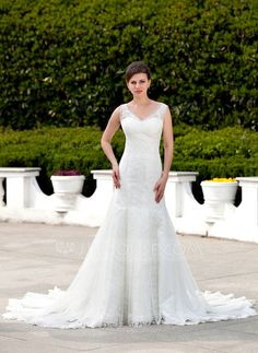 Trumpet/Mermaid V-neck Cathedral Train Tulle Wedding Dress With Lace (002000264)