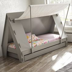 This awesome cabin tent bed is the perfect centrepiece for any child's room, and will create a wonderful adventure scene that is sure to make your child want to go to bed! Bedtime will no longer be a chore and is bound to be a joy from now on as your chil