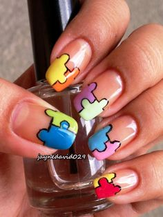 Who Would Like To Try Some Puzzle Nail Arts? - http://www.stylishboard.com/like-try-puzzle-nail-arts/