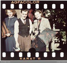 Ansatte i fotoforettningen til Renbjør. Norwegian Men, Fictional Characters, Color, Colour, Fantasy Characters, Colors