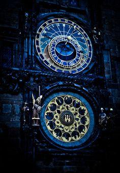Clock Tower in Prague Ravenclaw, Prague Astronomical Clock, Arte Steampunk, My Sun And Stars, Dark Winter, Time Clock, Sistema Solar, Blue Aesthetic, Midnight Blue
