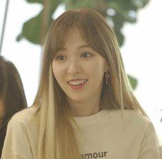 most beautiful woman ever Seulgi, South Korean Girls, Korean Girl Groups, Irene, Indie Singers, Most Beautiful, Beautiful Women, Wendy Red Velvet, Velvet Fashion