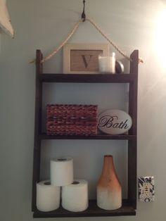 Small Bathroom Storage: DIY Pallet Board hanging shelf