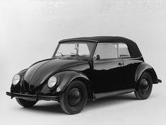 Een van de eerste Volkswagen Kevers die in 1938 van de productielijn rolde