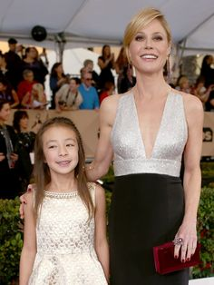 Pin for Later: Modern Family's Genetically Blessed Cast Members Strut Their Stuff at the SAG Awards Aubrey Anderson-Emmons and Julie Bowen
