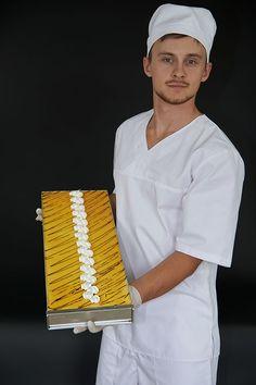 MAGOREX blachy piekarnicze z wyjmowalnym rantem. MAGOREX bakery trays with removable rim.