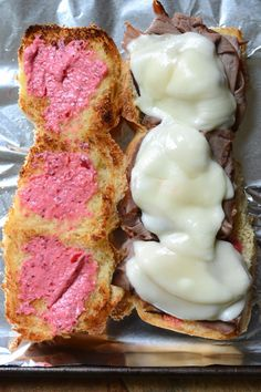 You'd never guess they only need four ingredients and 10 minutes to make. The cranberry horseradish gives great flavor and makes these perfect for a holiday party. Roast Beef Deli Meat, Roast Beef Sliders, Homemade Horseradish, Horseradish Sauce, Party Recipes, My Recipes, Easy Party Food, Slider Recipes, Provolone Cheese