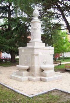 Monumento della Pigna http://alfonsinemonamour.racine.ra.it/alfonsine/Alfonsine/immagini/monumento-pigna-restaurato-.jpg