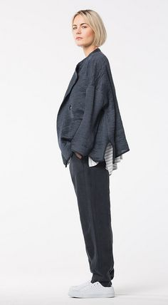 Back by demand - OSKA Trousers Vaja at OSKA New York. Minimalist Chic, Spring Outfits Women, Spring Summer 2018, Work Wear, New Look, Trousers, Normcore, Street Style, Clothes For Women