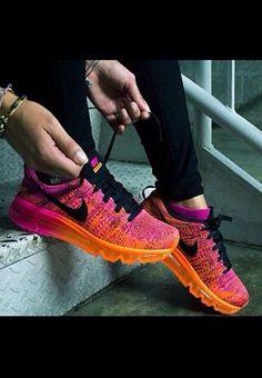 Neon Nike!!