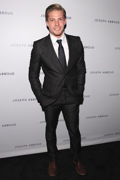 hunter parrish dating 2013 A bibliography of melody carlson's books, with the latest releases, covers, descriptions and availability.