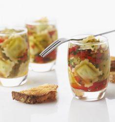 Verrines de poivrons marinés et ravioles au basilic - Recettes de cuisine Ôdélices