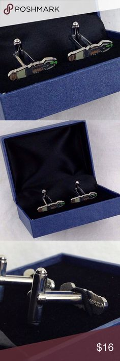 """Doctor Who Sonic Screwdriver Cufflinks in Case 1"""" Doctor Who Sonic Screwdriver Cufflinks with Case 1""""  Licensed 2014 BBC New   New with case.  he2w UNderground toy Accessories Cuff Links"""