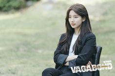Suzy - SBS Drama 'Vagabond' behind the scenes photos. Korean Actresses, Korean Actors, Korean Dramas, Ryu Won, Suzy Drama, Sheryl Lee, Netflix, Korean Outfit Street Styles, Cute Selfie Ideas