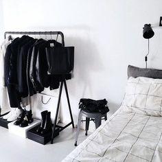 31 Ideas bedroom white wardrobe interior design for 2019 White Wardrobe, Bedroom Wardrobe, Open Wardrobe, Minimal Wardrobe, Wardrobe Ideas, Wardrobe Interior Design, Home Interior, Small Apartment Design, Small Apartments