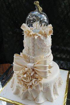 Cinderella cake- gorgeous wedding cake!