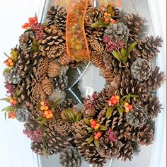 6 Fabulous Fall Wreath Ideas and Simple DIY Tutorials Rachel from CreativeHomemaking.com says her DIY pine cone wreath will set you back about $6 or so – love that! Plus you'll be gleaning from your yard, the park, or on your next nature walk.