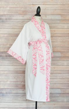 Maternity Kimono Style Robe Pink Damask Coordinate as a by modmum  #modmum #deliverinstyle #etsy #hospitalgown #baby #mom #pregnancy #delivery #maternity #pushpresent #pink #robe #kimono
