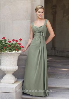 Product Description Item:CBD-108 Shipping Weight:2kg This kind of bridesmaid dresses features archaistic design. The real goods will be 95% matched with the photo.Silhouette: A Line Neckline: Sweetheart Waist: Empire Hemline / Train: Floor Length Sleeve Length: Sleeveless Back Details: Z
